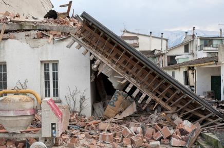 earthquake-1665886_960_720.jpg