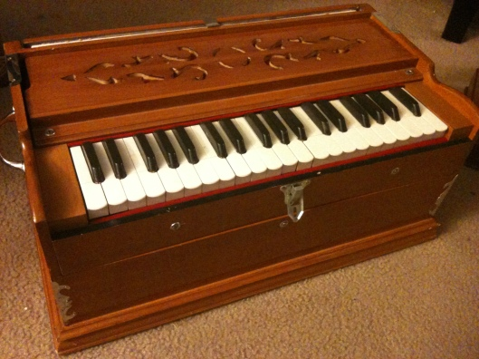 harmonium-musical-instrument
